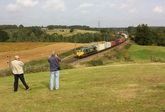 Dave's Day Trips at Brantham (Chris Baines) Tags: freightliner 66561 felixstowe trafford park liner dave cobb