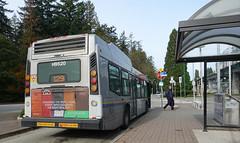 Translink bus H9520 Route 129 (D70) Tags: translink bus h9520 route 129 driver taking break novabus hybrid cumminsisb allisonhybridep40 burnaby britishcolumbia canada