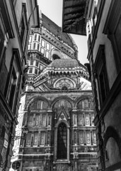 Italy - Firenze - Duomo (Marcial Bernabeu) Tags: marcial bernabeu bernabéu europe europa italy italia florencia florence firenze tuscany toscana duomo cattedrale catedral cathedral santa maria fiore arquitectura architecture monocromo monochrome blanco negro black white marble marmol bw