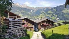 Matreier Berge (Osttirol) (kvasi23) Tags: matreiinosttirol bergdorf bauernhof hütte alm berge alps alpen österreich europa mountain montagne montani landscape nature