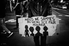 """""""NOUS NE SOMMES PAS VENU ICI POUR MOURRIR"""" - #Nantes: #JusticePourOumar ! Marche en mémoire de Oumar le 7 octobre 2019. Voir plus d'infos dans la description de la #photo >>> (ValK.) Tags: politique nantes slogans manifestation valk oumar accueil asile droitaulogement refugeeswelcome untoitpourtoutes justicepouroumar social graff hommage migration paroles marche mots refuge migrant refugies expulsion exils ecrits revendications luttessociales france tag solidarite soutien paysdelaloire"""