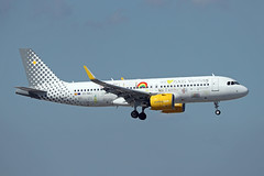 Vueling Airlines   A320-271N   EC-NAJ (Globespotter) Tags: barcelonael prat vueling airlines a320271n ecnaj weloveplaces livery
