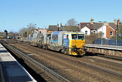 DR98921 DR98971 Tonbridge (CD Sansome) Tags: tonbridge station train trains mpv multi purpose vehicle dr98921 dr98971 network rail deice