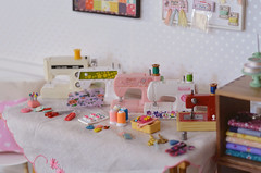Sewing Machine Collection (Moonrabbit_ly) Tags: rement miniature dollhouse barbie diorama sewingmachine