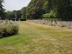 Graves - Dutch National War Memorial in Great Britain. (greentool2002) Tags: graves netherlands dutch national war memorial great britain mill hill cemetery london nw7