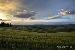 Toscana (Rolandito.) Tags: europa europe italia italy italien italie toscana val dorcia landscape sunset