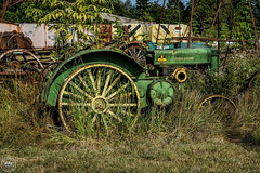 C.W. Wallace (Rusty Relics) John Deere Tractor (Explored) (SonjaPetersonPh♡tography) Tags: cwwallace purveyor rustyrelics rust rusty rustyrelic automobiles oldcars oldtrucks old delapitated vintagecars antiquecars classiccars vehicles vintage antiques purveyorofrustyrelics toledo washington washingtonstate stateofwashington nikon nikond5300 afsdxnikkor18300mmf3563gedvr collection tractor johndeere