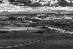 Driving on the Moon (VkG_64) Tags: islande lakagigar roadtrip 4wd crater ash iceland clouds black white