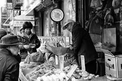 Grant Street (erichudson78) Tags: usa nyc newyorkcity manhattan chinatown grantstreet streetphotography scènederue canonef24105mmf4lisusm canoneos6d nb bw noiretblanc blackandwhite shop magasin