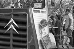 Street Photo 1909_036 (c a r a p i e s) Tags: carapies cityscapes 2019 españa madrid azca madreat nikonf100 35mm film pelicula analogico ilford ilfordhp5 bw blackwhite blancoynegro fotografiaurbana urban urbanphotography urbanidad urbvanidad urbvanity urbanphoto streetphoto streetphotography streetlife foodtrucks streetfood