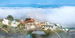 Morning on a hill (caophi) Tags: 100400l fog landscape cityscape dalat