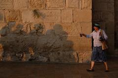 Let's have a drink (effettiva) Tags: israele israel visitisrael jerusalem gerusalemme 2019 street streetphotography streetphotos streettogs streetstyle streetfinder streetlife