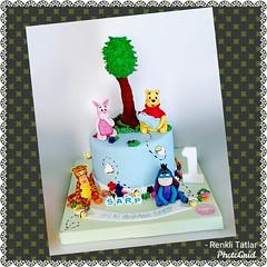 Winnie The Pooh Pasta. Renkli Tatlar Butik Pasta. İletişim : 0533 668 86 80 (www.renklitatlar.com (05336688680)) Tags: çocukpastaları sugarart edibleart butikpastalar butiktasarımpastalar butikpastatasarım butikdoğumgünüpastaları sugarmodelling renklitatlarbutikpasta renklitatlar wwwrenklitatlarcom cakeart cakedesign cakegoals siparişpasta butikpastaistanbul fondant sugarcraft cakes handmade kişiyeözeltasarımpastalar theartofpainting fondantfigures birthdaycake cakedecoration çocukdoğumgünü winniethepoohpasta pigletpasta winnievearkadaşlarıpasta