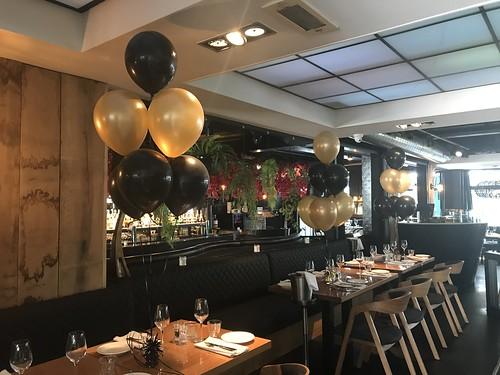 Tafeldecoratie 6ballonnen Oysterclub Rotterdam