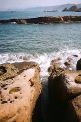 Reefs. (蒼白的路易斯) Tags: 蒼白的路易斯 reefs nature 野柳 kodakcolorplus200 pentaxespio928 底片攝影 底片