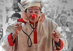 Trust me, I'm your doctor 😊 (Behappyaveiro) Tags: santamariadafeira aveiro portugal imaginarius spanishartist hojasalvento poeticclown digitalmanipulation red festival europe