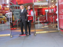 2019 Putting out the Pitt - Brad Pitt on sidewalk Wax display 5095 (Brechtbug) Tags: 2019 putting out pitt brad sidewalk wax display madame tussauds 42nd street midtown manhattan museum nyc 10092019 october sometimes vampire new york city museums public royal uk england brit britain british tussaud s mannequin mannequins dummies dummy interview with