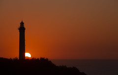 Coucher de Soleil / Anglet-Biarritz (jean-michel radet) Tags: sunset sun coucherdesoleil phare lighthouse ocean océan paysbasque euskadi