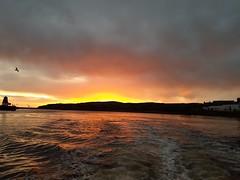 20191009_073314 (bob.vanderzwaag) Tags: abeden sunrise sea water lighthouse zee zonsopgang