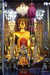 Wat Phra That Hariphunchai (ol'pete) Tags: watphrathathariphunchai วัดพระธาตุหริภุญชัย wat วัด temple ประเทศไทย thailand เมืองไทย ลำพูน lamphun เชียงใหม่ chiangmai พุทธกาลนิชน buddhist