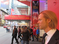 2019 Putting out the Pitt - Brad Pitt on sidewalk Wax display 5109 (Brechtbug) Tags: 2019 putting out pitt brad sidewalk wax display madame tussauds 42nd street midtown manhattan museum nyc 10092019 october sometimes vampire new york city museums public royal uk england brit britain british tussaud s mannequin mannequins dummies dummy interview with