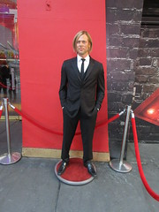 2019 Putting out the Pitt - Brad Pitt on sidewalk Wax display 5105 (Brechtbug) Tags: 2019 putting out pitt brad sidewalk wax display madame tussauds 42nd street midtown manhattan museum nyc 10092019 october sometimes vampire new york city museums public royal uk england brit britain british tussaud s mannequin mannequins dummies dummy interview with