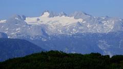 Dachsteinmassiv / Dachstein massif (ursula.valtiner) Tags: landschaft landscape berg mountain alpen alps dachstein dachsteinmassiv dachsteinmassif hoherdachstein hallstättergletscher ahornkogel gipfelkreuz summitcross ausseerland salzkammergut steiermark styria austria autriche österreich