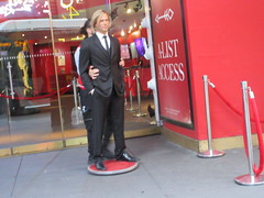 2019 Putting out the Pitt - Brad Pitt on sidewalk Wax display 5098 (Brechtbug) Tags: 2019 putting out pitt brad sidewalk wax display madame tussauds 42nd street midtown manhattan museum nyc 10092019 october sometimes vampire new york city museums public royal uk england brit britain british tussaud s mannequin mannequins dummies dummy interview with