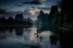 Xing Ping before sunrise (Fabrizio Massetti) Tags: sunrise sun sunset guilin guangxi green guanxi river rural yangshou yangshuo fabriziomassetti famasse fishermen liriver landscape landscapes s