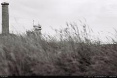 Phare d'Eckmühl (Ludtz) Tags: ludtz leica leitz leicacl wetzlar rangefinder télémétrique télémètre bretagne breizh brittany pennarbed 29 finistère teleelmarit90|28 mer sea ocean océanatlantique atlantic atlantique atlanticocean film negative analog kodak kodakcn400 expired2005 noirblanc bw balise penmarch phare lighthouse beacon pharedeckmühl