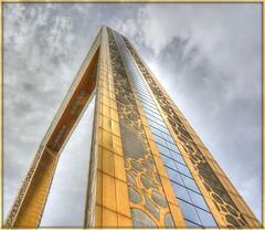 Dubai - Frame (Körnchen59) Tags: dubai bilderrahmen frame gold architektur körnchen59 elke körner sony 6000