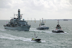 HMS Westminster  F237 (Rob_Pennycook) Tags: hmswestminster f237 royalnavy warship frigate solent type23 tug tugs sdtempest sdbountiful policelaunch