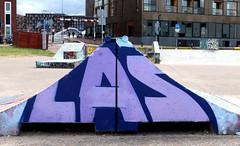 Graffiti in Amsterdam (wojofoto) Tags: amsterdam nederland netherland holland javaeiland legalwall graffiti streetart wojofoto wolfgangjosten las throw throwup throwups