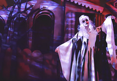 Living Dead Grl in Rob Zombie Hellbilly Deluxe Scare Zone at Universal Orlando's Halloween Horror Nights 2019 (hernandez.philip) Tags: halloweenhorrornights halloween hauntedhouses hauntedattraction makeup costume orlando florida