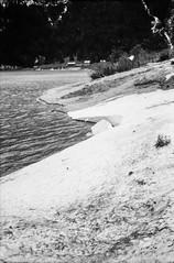 Beach (svnsmts) Tags: 35mm dachstein austria canon a35f kosmofoto kodak portra400 shotonfilm filmphotography analog gosau