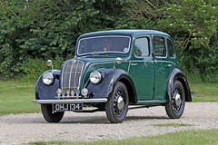Morris (1948) (Roger Wasley) Tags: morris dhj134 1948 toddington classic car vehicle