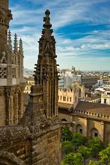 Pináculo - Catedral de Sevilla (jaseto2009) Tags: sonyilce7 fe35mmf28za sevilla andalucía españa pináculo catedraldesevilla