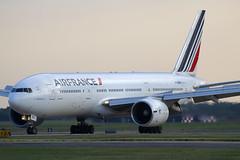 F-GSPN (JBoulin94) Tags: fgspn airfrance air france boeing 777200 washington dulles international airport iad kiad usa virginia va john boulin
