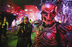 Robot in Rob Zombie Hellbilly Deluxe Scare Zone at Universal Orlando's Halloween Horror Nights 2019 (hernandez.philip) Tags: halloweenhorrornights halloween hauntedhouses hauntedattraction makeup costume orlando florida