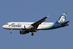 N627VA (JBoulin94) Tags: n627va alaska airlines airbus a320 washington dulles international airport iad kiad usa virginia va john boulin