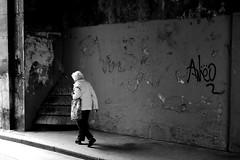 The white hair lady (pascalcolin1) Tags: paris femme woman mur wall cheveux hair blanc white lumière light photoderue streetview urbanarte noiretblanc blackandwhite photopascalcolin 50mm canon50mm canon