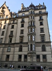 #NewYorkCity #Vacation #August2019 (Σταύρος) Tags: romanpolanski rosemarie'sbaby dakotabuilding 1968 rosemariesbaby newyork moviescene uppermanhattan ny nyc dakota thedakota flat apartment newyorkcity vacation august2019