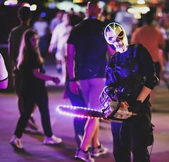 Clown Scare Actor at Universal Orlando's Halloween Horror Nights 2019 (hernandez.philip) Tags: halloweenhorrornights halloween hauntedhouses hauntedattraction makeup costume orlando florida