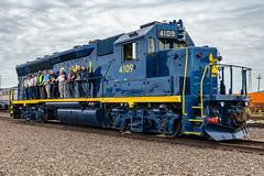 Team 4109 (sullivan1985) Tags: newjersey northjersey njt njtr nj njtr4109 njtransit newjerseytransit centralrailroadofnewjersey cnj gp40 gp40p gp40ph2 employees emd locomotive heritage tribute royalblue cnj3677 mmc meadowsmaintenancecomplex project4109