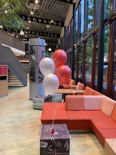Tafeldecoraratie 4ballonnen Hoge School Rotterdam