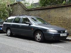 1994 Ford Mondeo 2.0 Ghia Estate (Neil's classics) Tags: 1994 ford mondeo 20 ghia estate wagon