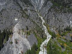 Rockfall vs Debris Flow (Dru!) Tags: kwoiek kwoiekcreek masswasting massmovement landslide debrisflow granite coastmountains lillooetranges bc britishcolumbia canada talus gully