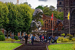 Iron man (p.franche malade - Sick) Tags: sony sonyalpha65 dxo photolab2 belgium belgique belgïe europe pfranche pascalfranche mons statue métal acier gens garçons filles église beffroi ville parc étudiants homme femme metal steel people boys girls church belfry city park students man woman frau 女子 여성 kvinde mujer nainen γυναίκα אישה امرأة nő wanita bean kona donna 女 kvinne kobieta mulherженщина kvinna žena หญิง đànbà vrouw