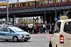 IMG_5240 swarming (Extinction Rebellion Sverige) Tags: berlinupproret extinction rebellion berlin sverige svenskar globalt uppror internationellt xr