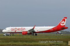 A321 OE-IGE ex HB-JOX AIR BERLIN colours (shanairpic) Tags: jetairliner passengerjet a321 airbusa321 shannon condor airberlin belair datcd datce hbjox oeige oelnz